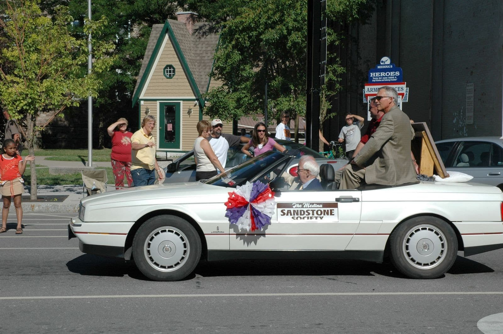 The Medina Sandstone Society participates in local parades