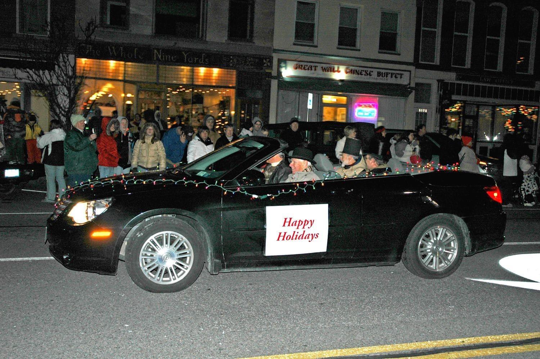 The Medina Sandstone Society participates in the Old Tyme Holiday Parade