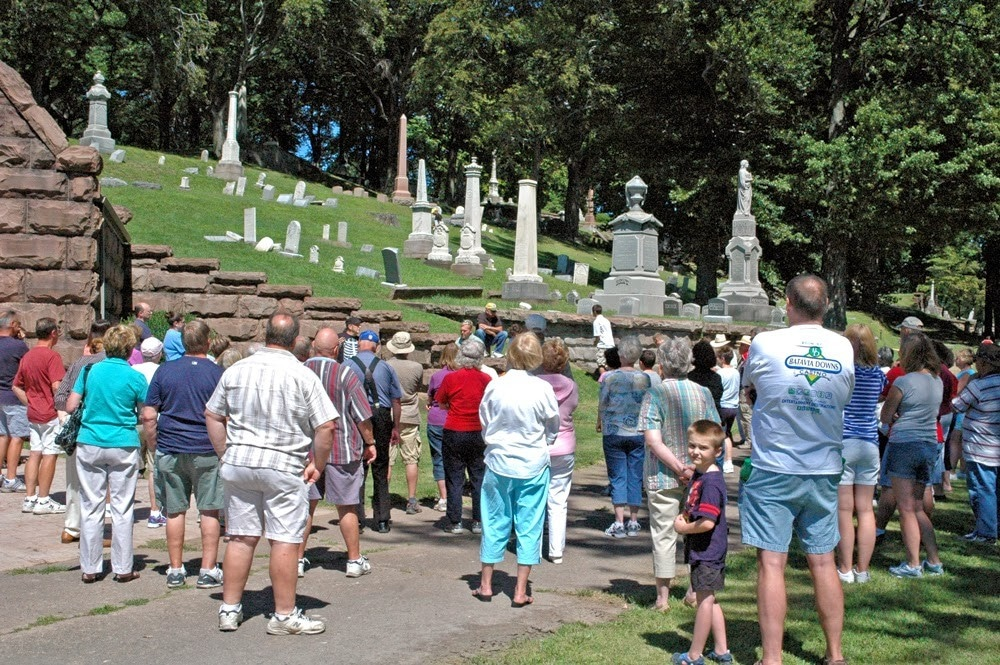 Boxwood Cemetery Tour, August 2013
